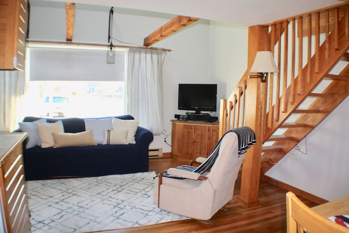 Clean & Bright Oceanfront Condo-A Perfect Getaway