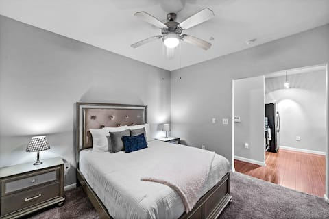Houston's Elegantz Royal Loft- City Centre
