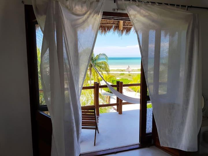 Villa de 8 habitaciones frente al mar