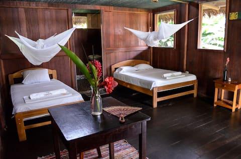 Amazon Lodge so zeleným diamantom