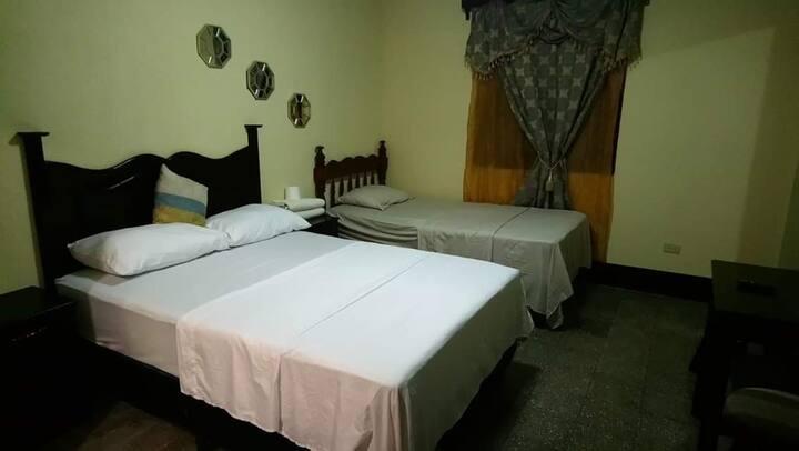 HOTEL VILLA DE SAN NICOLAS Habitacion 8