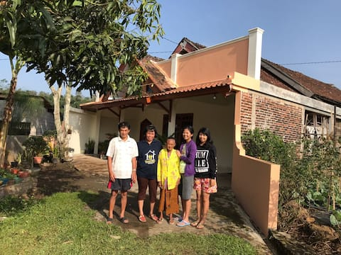 Mr. Suyitno Guesthouse