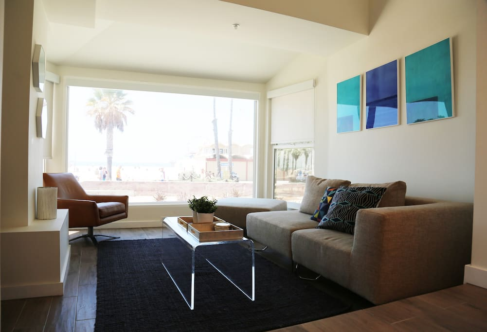 One Bedroom Ocean Front Unit Ocean Breeze 2 Apartments For Rent In Santa Monica California
