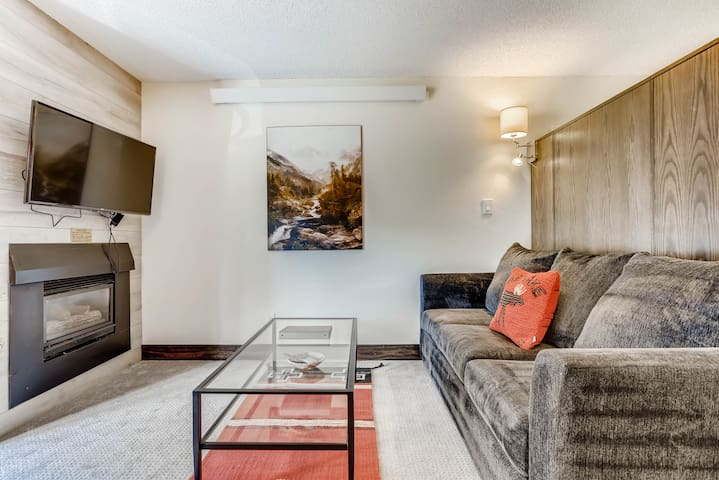 Upgraded Condo, Walk to Vail Gondola | Lifthouse Lodge Premium Studio