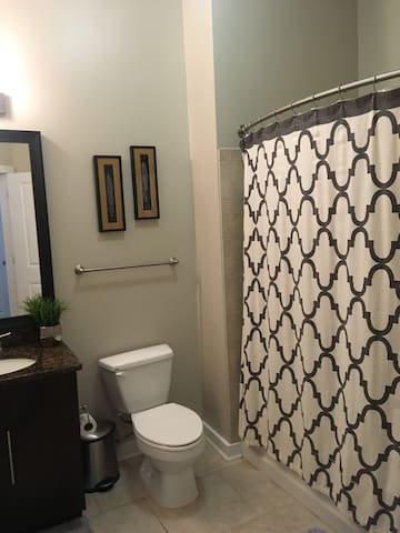 Large one bedroom, 7 mins from Washington DC