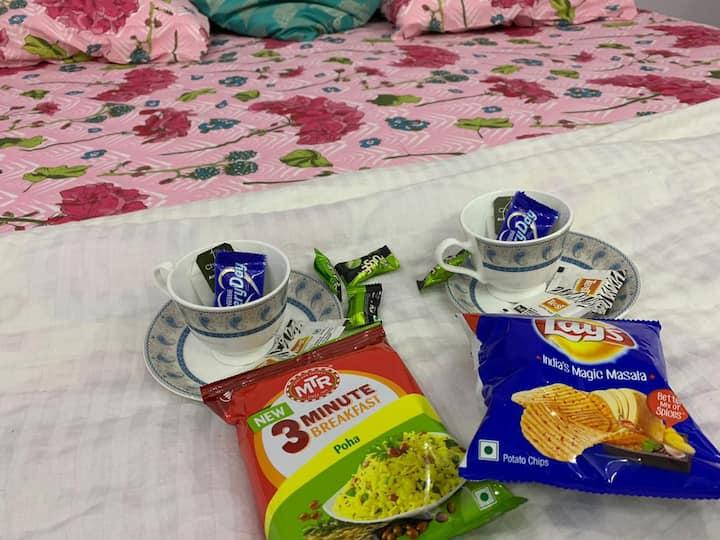 Comfy Bedroom in Gomti Nagar.