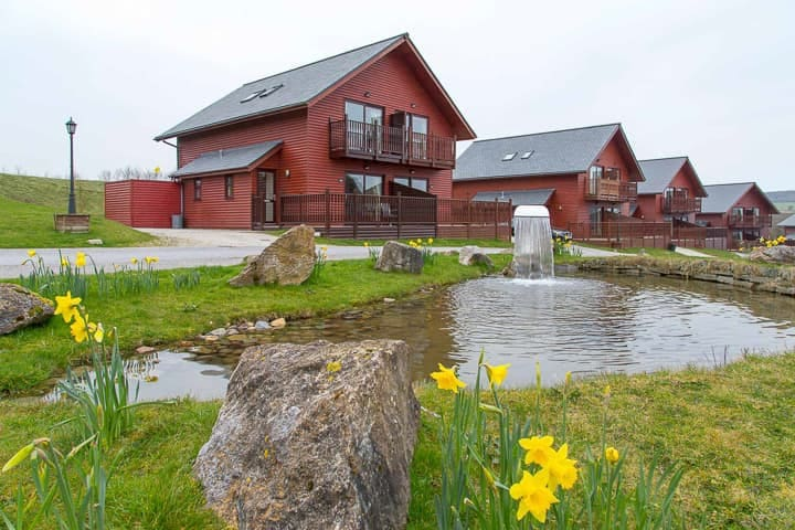 Lovely lodge in the 5* Retallack resort and spa