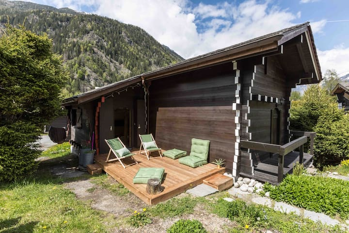 Small modern & cosy chalet