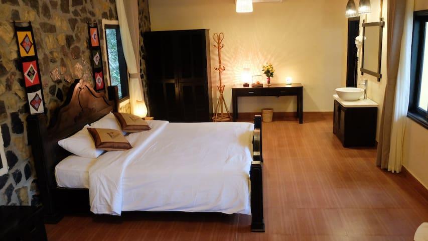 Suite family room - Sunrise Village