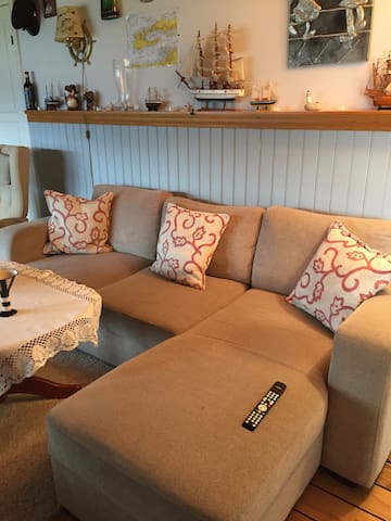 Cosy apartment in the basement with great view. - Alesund - Apartemen