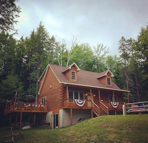 Cozy Modern Cabin on 5 acres, 5 min to Windham Mtn - Windham - Cabin