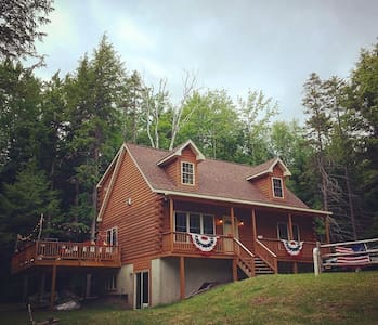 Cozy Modern Cabin on 5 acres, 5 min to Windham Mtn - Windham