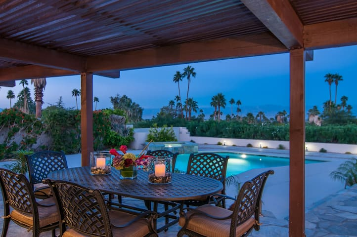 Magnesia Falls View Home, Rancho Mirage