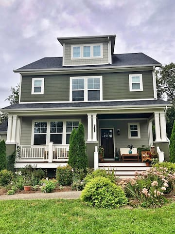 Charming Home, Centrally Located-Charlottesville