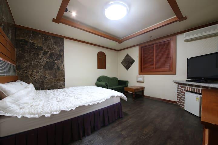 BALI MOTEL(발리모텔) Standard Room2 일반실 - Gongju-si