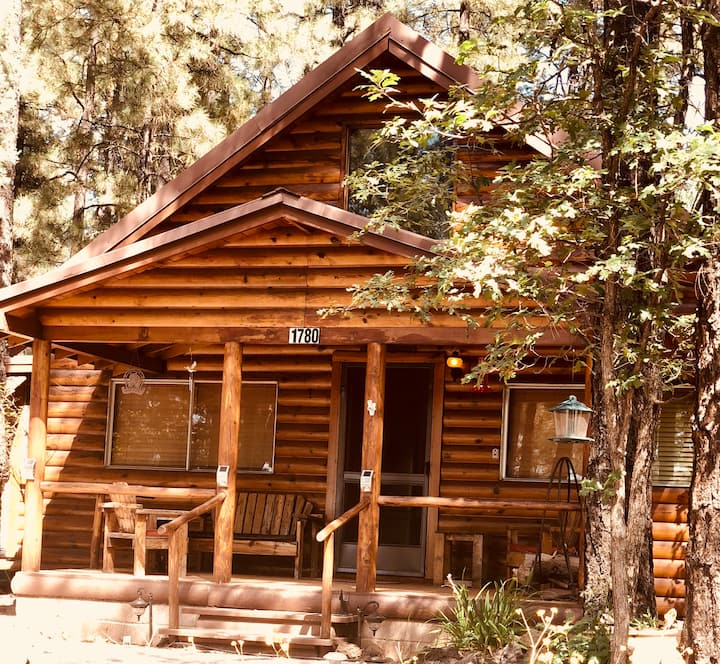 Pinetop Lakeside    Cozy Cabin getaway