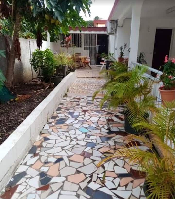 House with 2 bedrooms in Le Moule, with enclosed garden and WiFi - 2 km from the beach