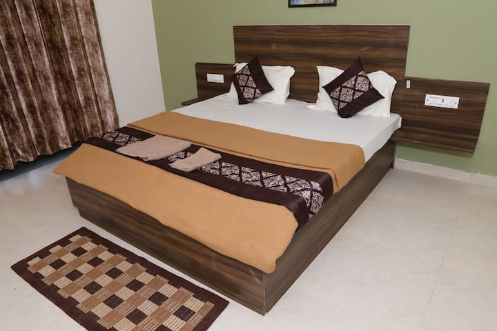 Deluxe TF room 1st with private balcony in Mandrem