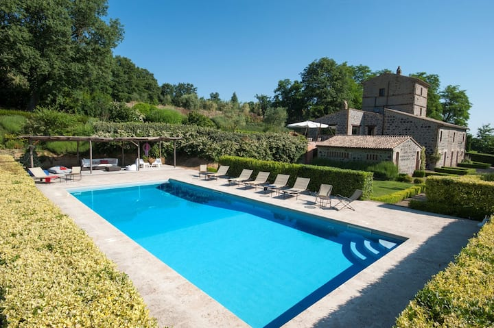 Casale Porano - Holiday Country Villa with swimming pool in Umbria