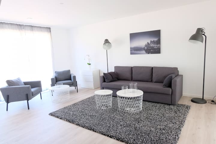Newly built bright and spacious 108 sqm city center row house with 3 bedrooms.