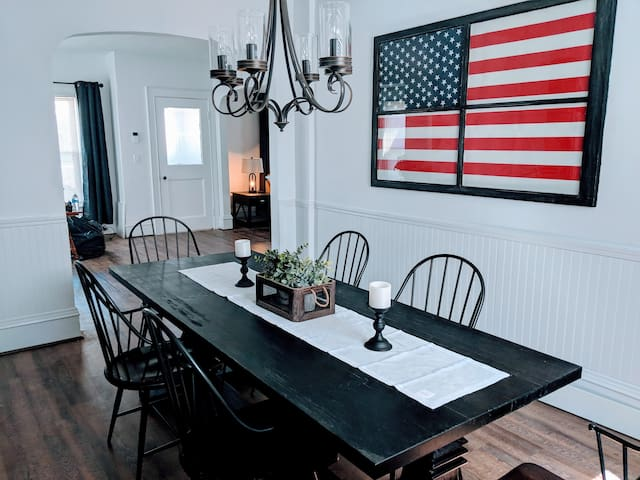 Historic family home (w/AC) in a great area