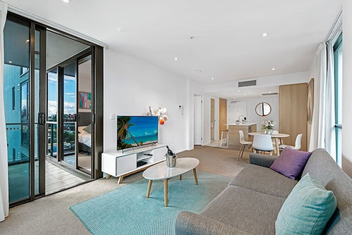 Prime Quality Condo @ The Beach Central Broadbeach