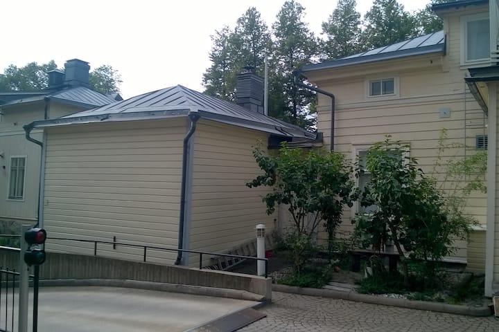 Moderni asunto historiallisessa miljöössä