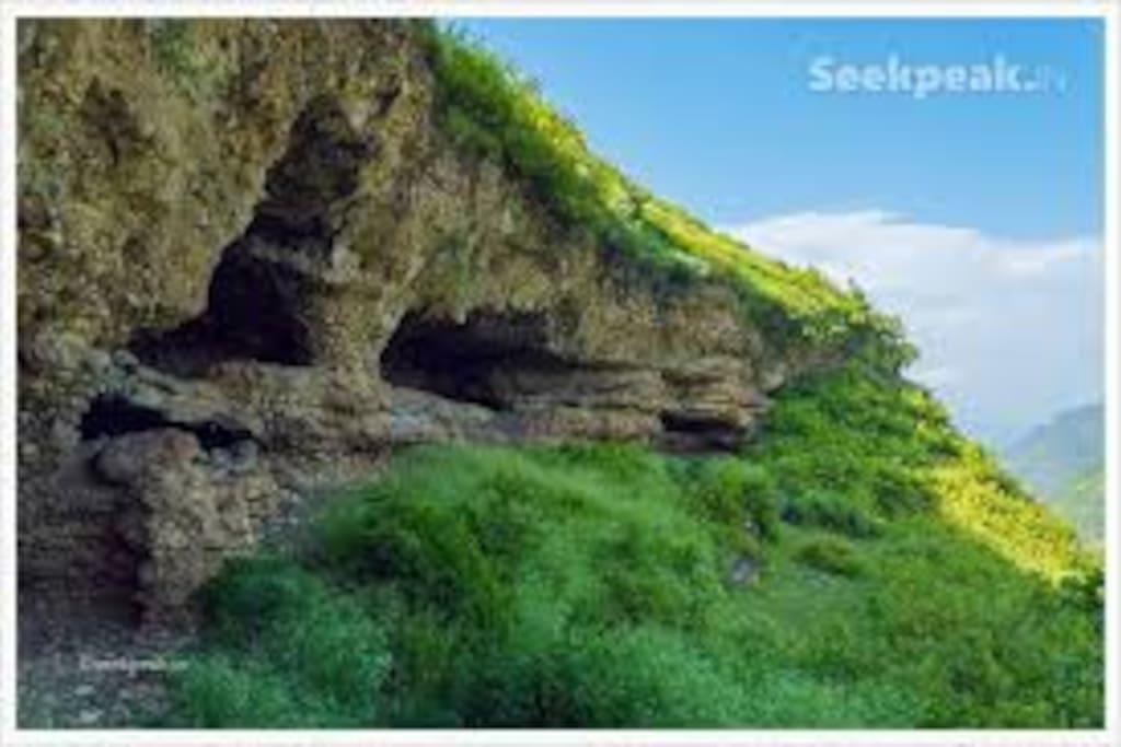 natural caves of lakamandal