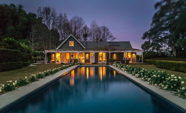 Woodlands luxury retreat near Berry