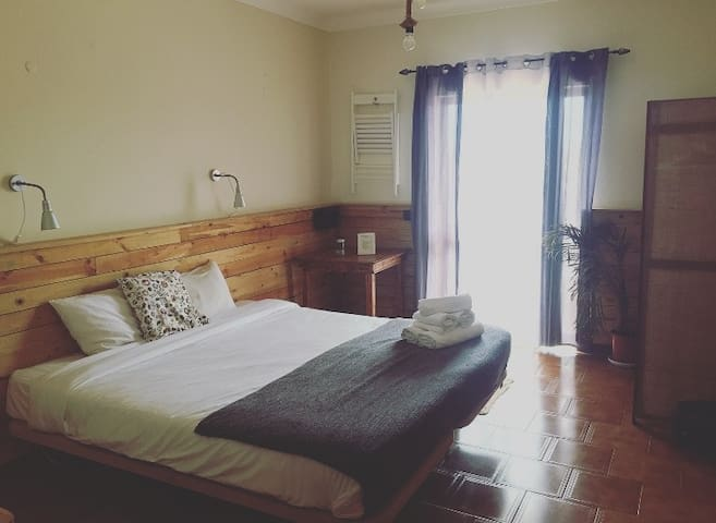 Great room for 2 CARRAPATEIRA at BORDEIRA BEACH