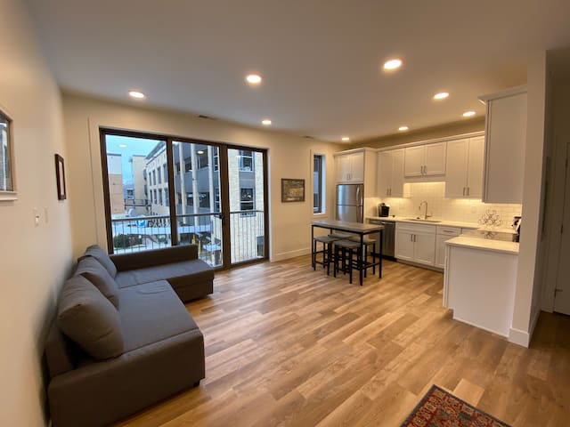 Beautiful Downtown Traverse City Apartment