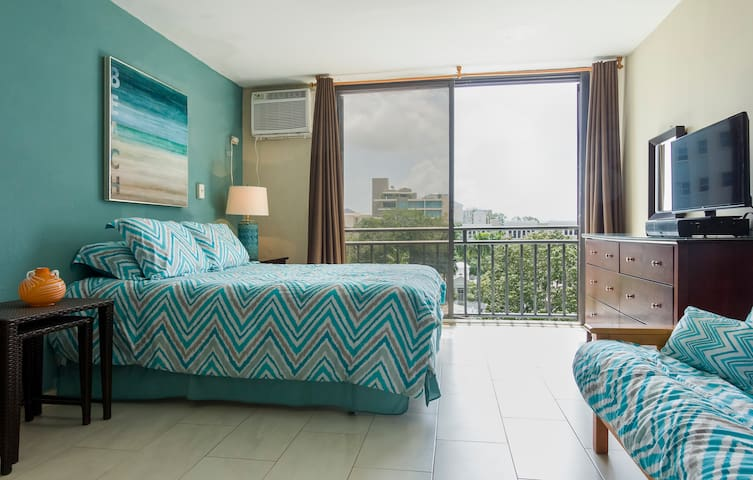 Beautiful Studio Apartment (Isla Verde, P.R.)