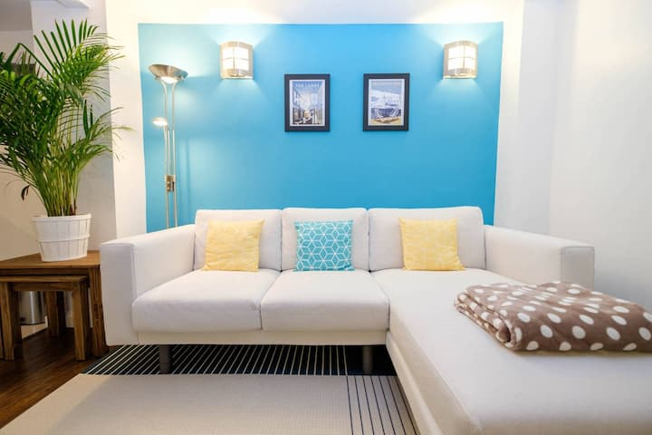 Super central flat with charming terrace