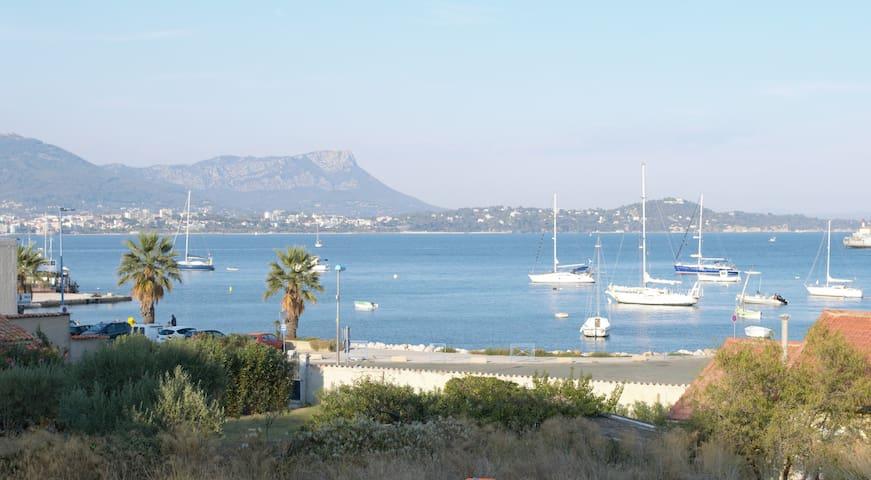 T1 avec sa terrasse proche de la mer et un parking - Saint-Mandrier-sur-Mer - Andre