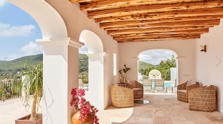 Villa Can Prats, luxury villa surrounded by nature