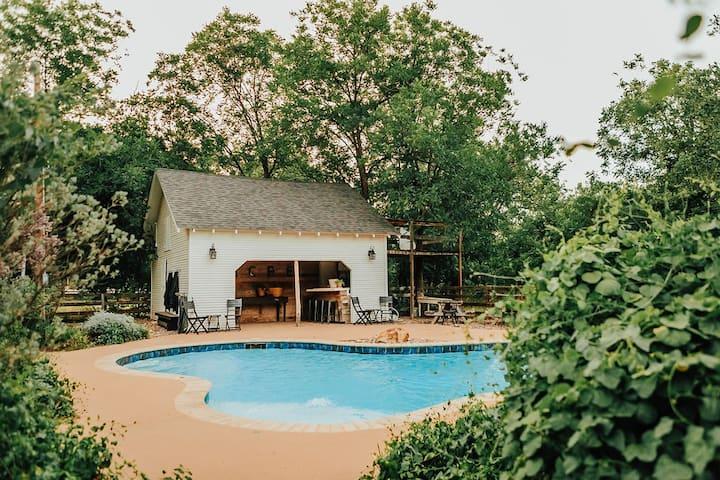 The Acre - 5/3 plus Pool