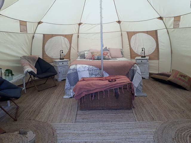 Eversprings Glamping, a Perth Hills Eco Retreat.