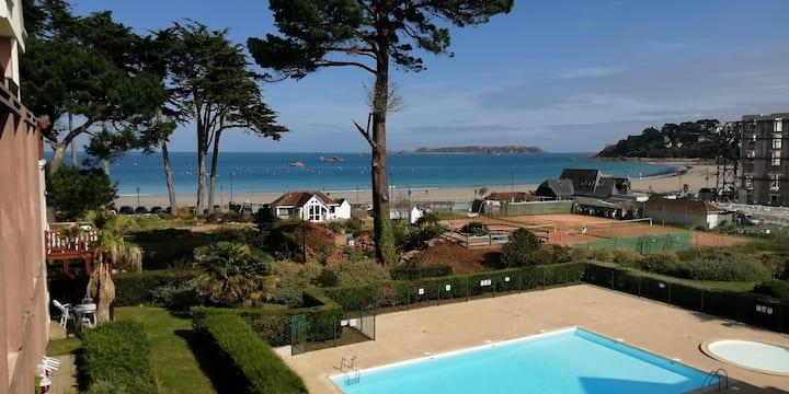 Appartement 2 pièces terrasse vue mer sur piscine