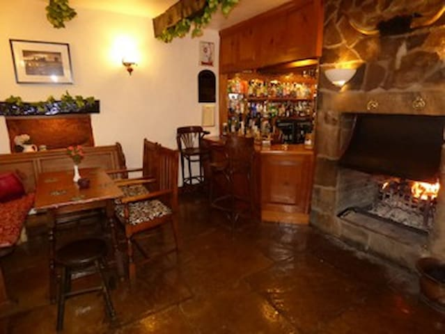 Eat, Drink, Sleep in the quaint country Inn - Nateby - Bed & Breakfast