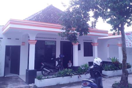 Kamar di Tengah Kota Magelang - Magelang Utara - Rumah