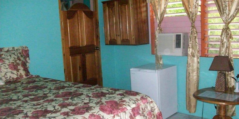Queen room two bedroom