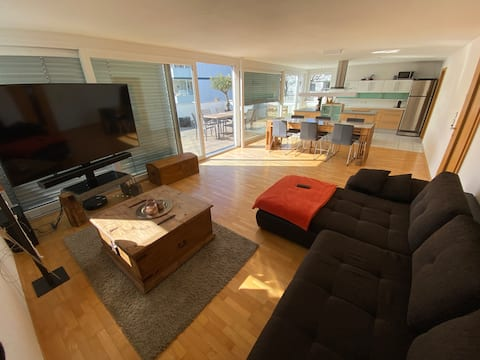 Ruhige Penthouswohnung in top Lage
