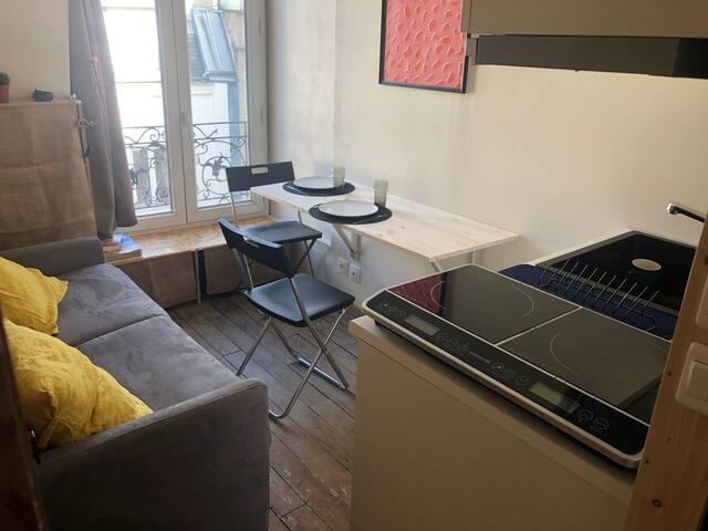Chambre de bonne tout confort proche Montmartre