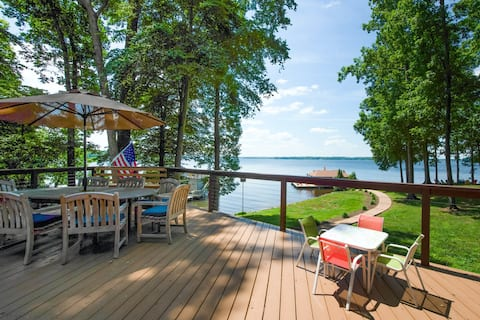 New listing! Spacious dog-friendly retreat w/Lake Anna views, dock, and firepit