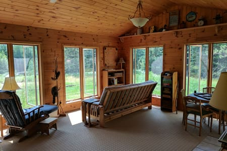 Northwoods Wilderness Hideaway - See Fall Colors!