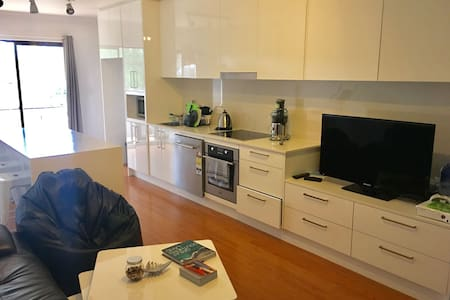 Ensuite room in a great,modern 3 bedroom apartment
