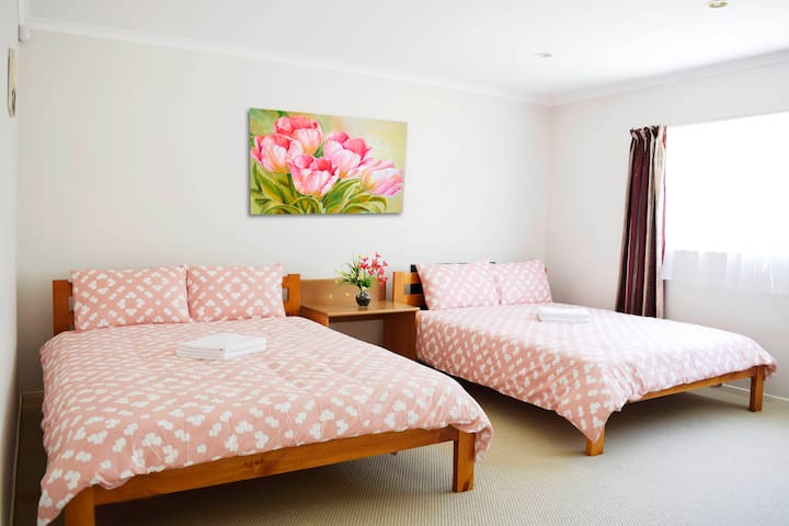 Sunny Quadruple Room - Near City Centre