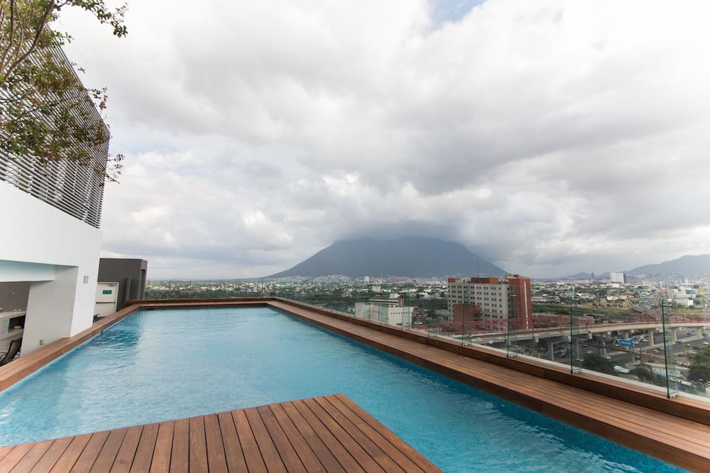Terrace, pool and Cerro East view