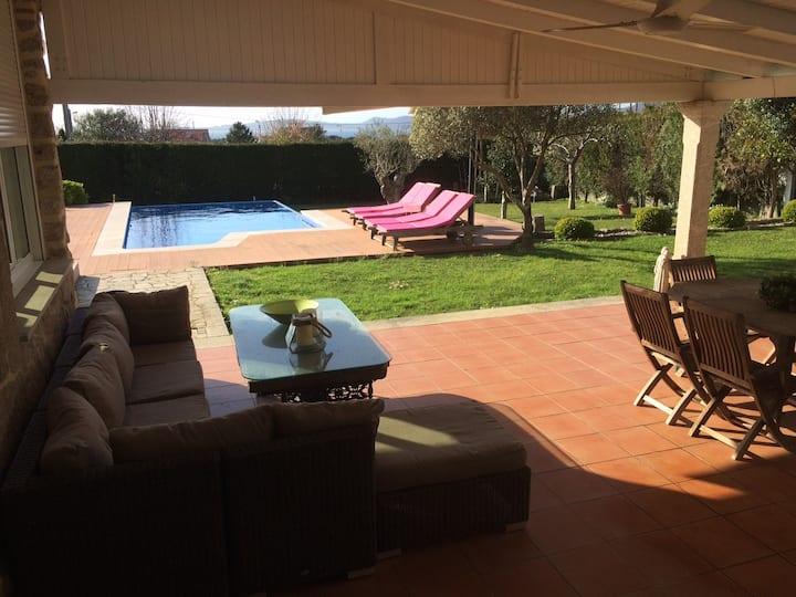 Casa en Samil con piscina y barbacoa