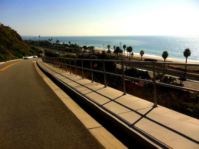Walk to Pines Park and the Beach - Dana Point - House